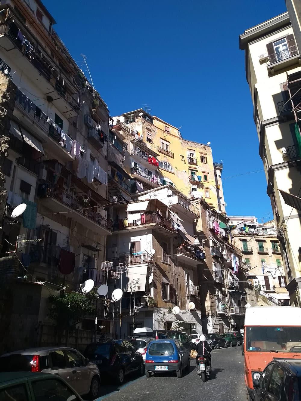 A typical Neapolitan street... washing everywhere!