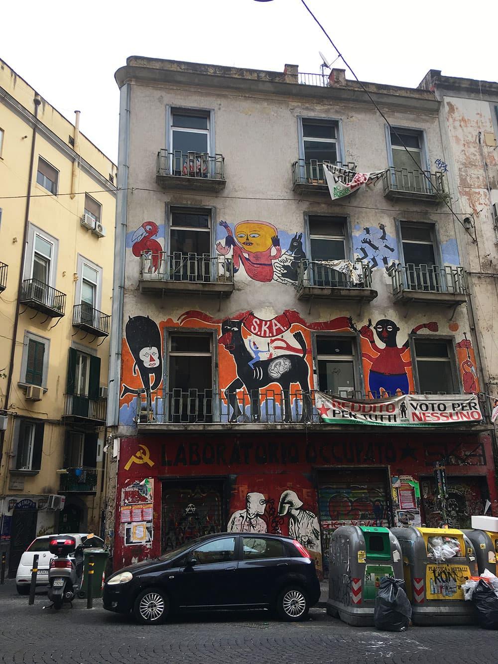 Bins & street art in Naples